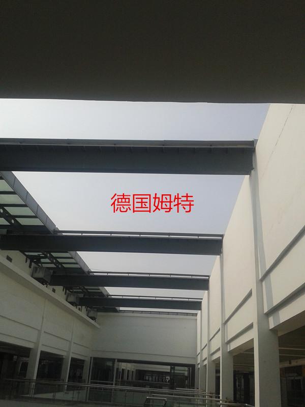 平行舷单坡钢结构屋顶